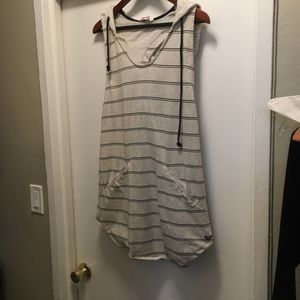 Roxy beach cover up size large